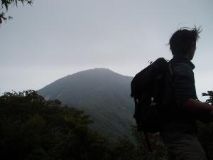 万二郎岳が見えた!