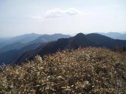 笠形山みっけ ←の方のポコっとした山